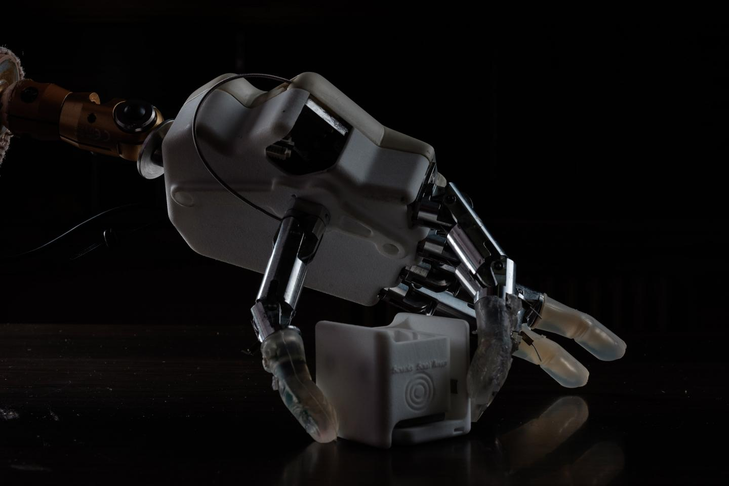 A prosthetic that restores the sense of where your hand is